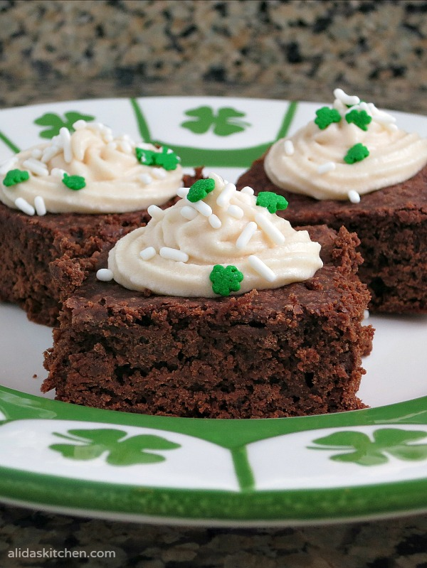 Frosted Irish Cream Brownies | alidaskitchen.com