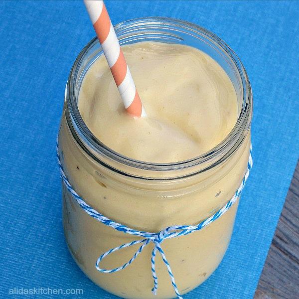 Healthy Banana Mango Smoothie