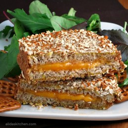 Pretzel Crusted Grilled Cheese | alidaskitchen.com