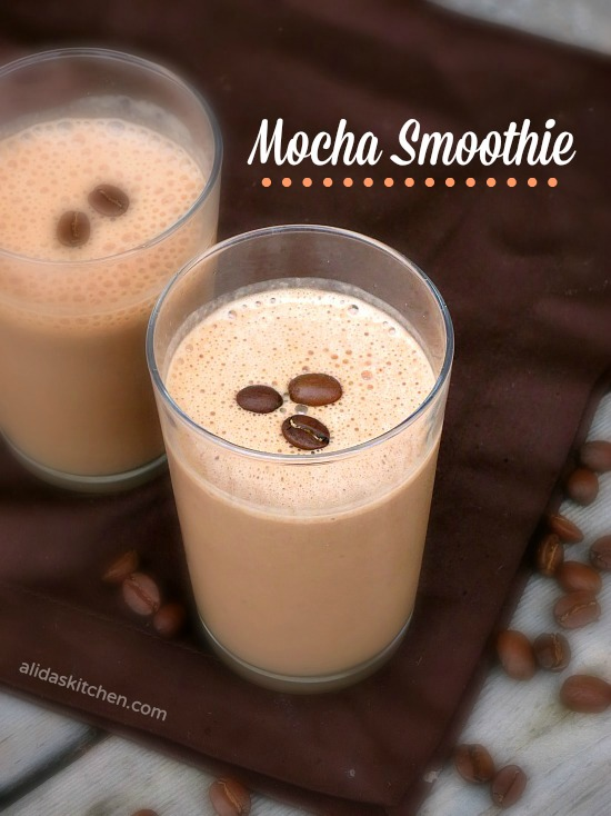 Mocha Smoothie | alidaskitchen.com #recipes #smoothie #BreakfastEssentials