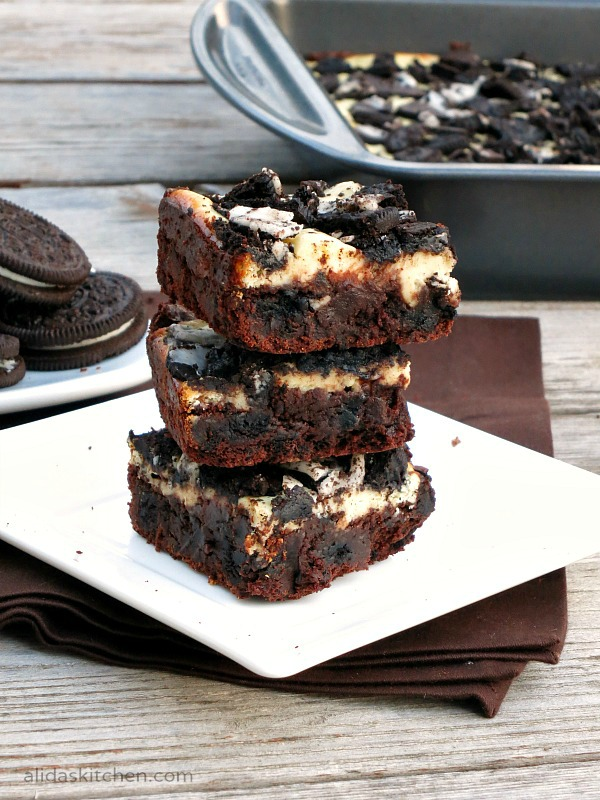 Cookies and Cream Cheesecake Brownies | alidaskitchen.com #recipes #brownies #SundaySupper