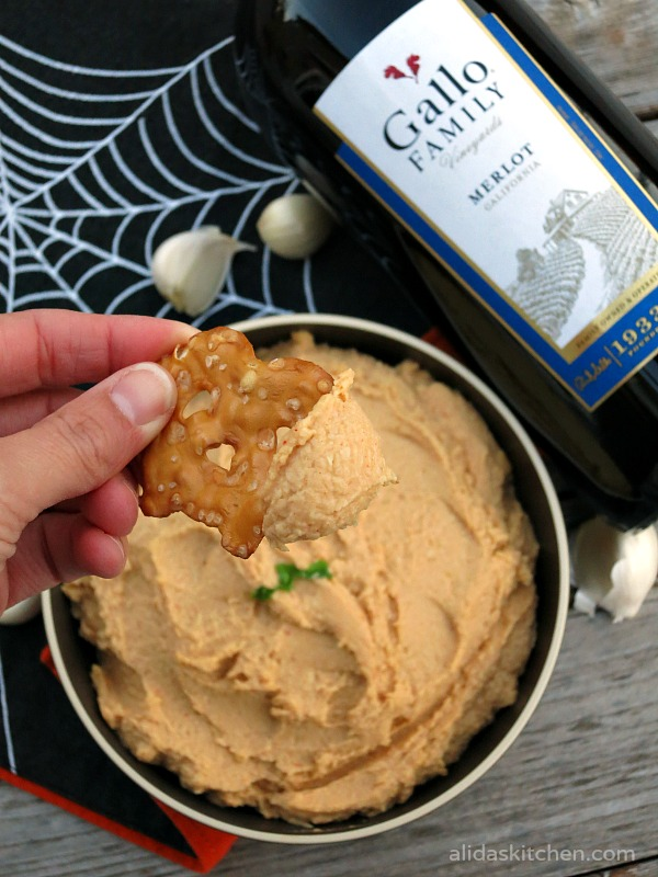Roasted Garlic Hummus | alidaskitchen.com #recipes #SundaySupper #Halloween #glutenfree