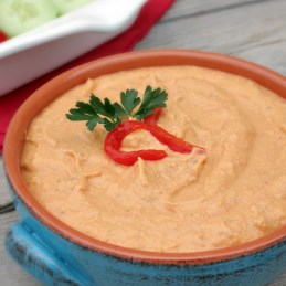 Roasted Red Pepper Hummus | alidaskitchen.com