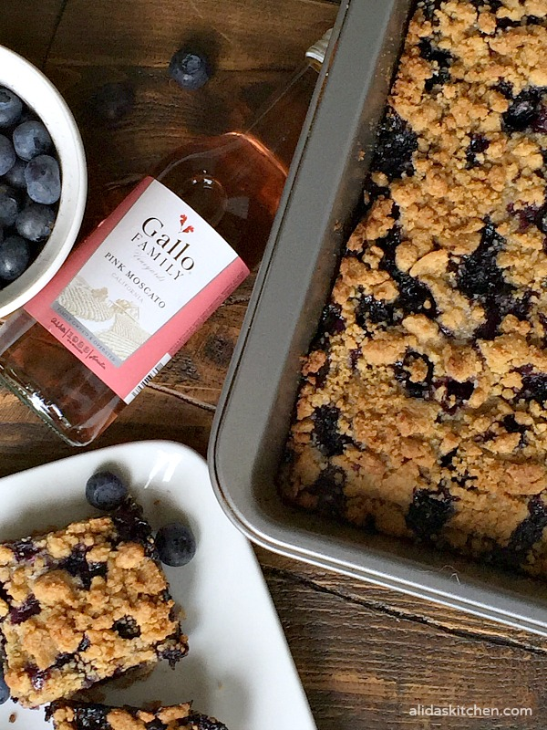 Blueberry Crumb Bars | alidaskitchen.com