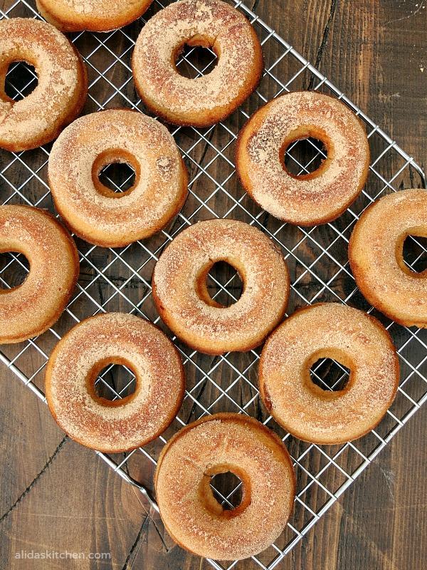 Cinnamon Buttermilk Baked Doughnuts | alidaskitchen.com