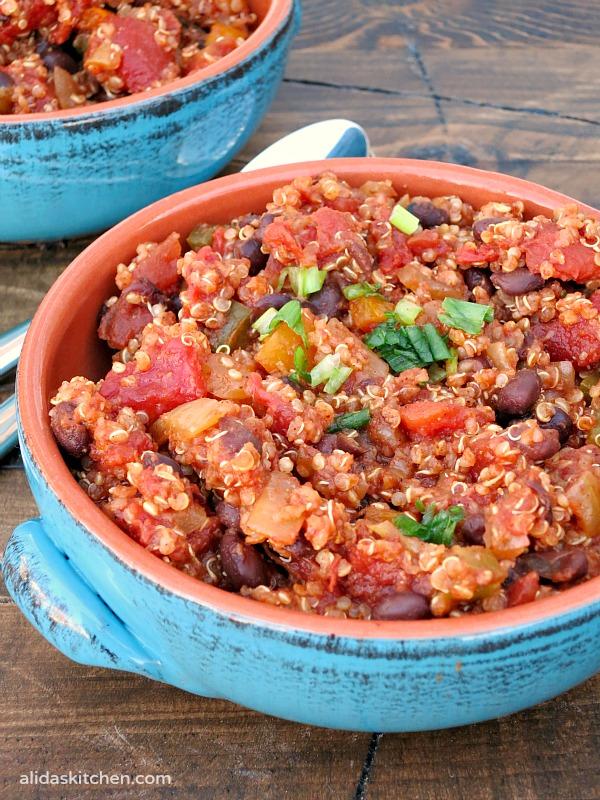 Black Bean Quinoa Chili | alidaskitchen.com