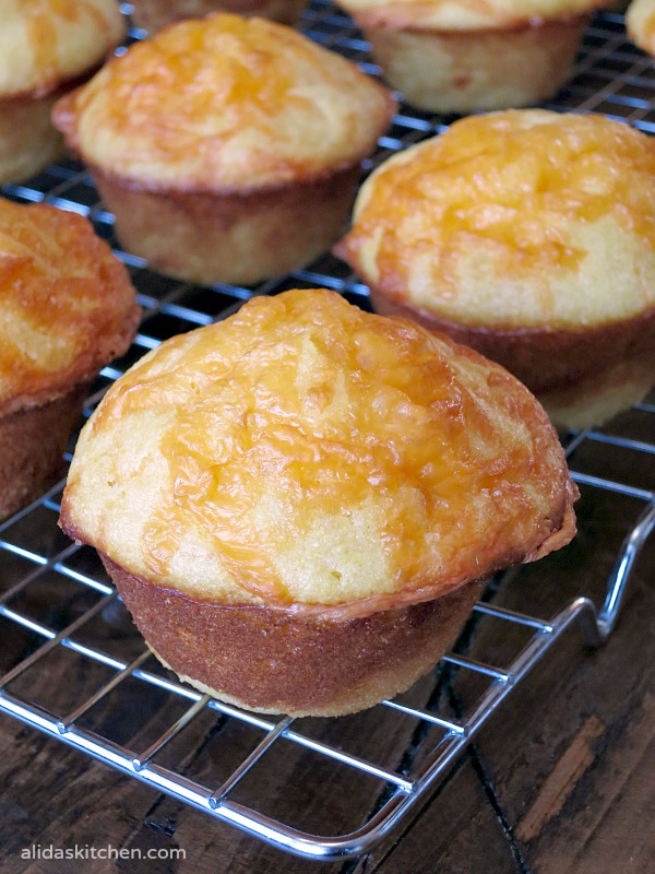 Cheesy Cornbread Muffins | alidaskitchen.com