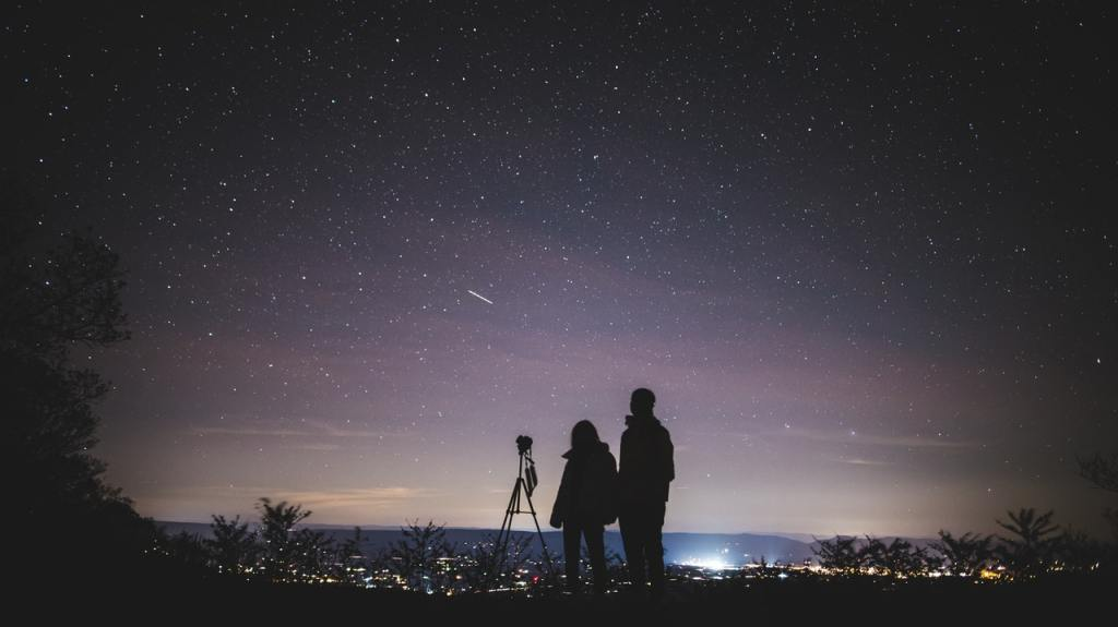 stargazing a healthy hobby to follow