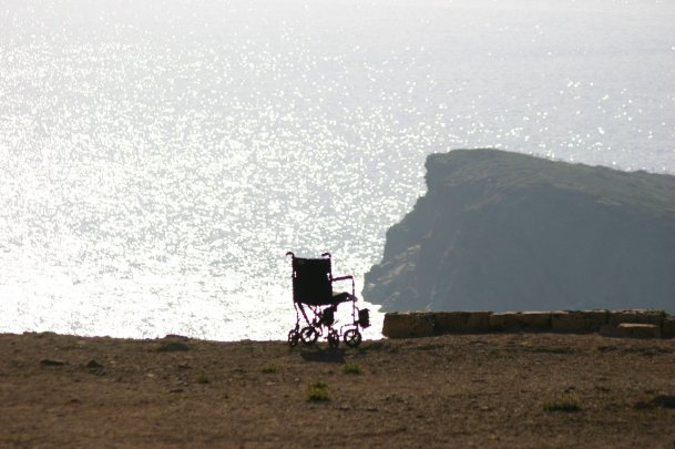 wheelchair-1581642_1920