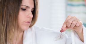 frenar la caída del cabello con ortiga