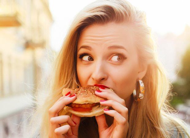 Resultado de imagen para comer para ocultar emociones