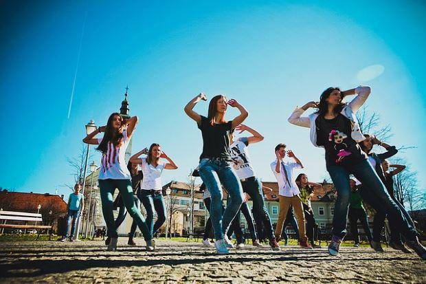baile y ejercicio físico como terapia para combatir enfermedades