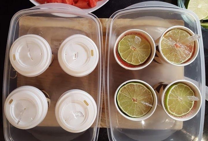 Preparacion polos de melón y sandía