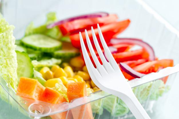 Recomendaciones para consumir tu comida fuera de casa de forma segura