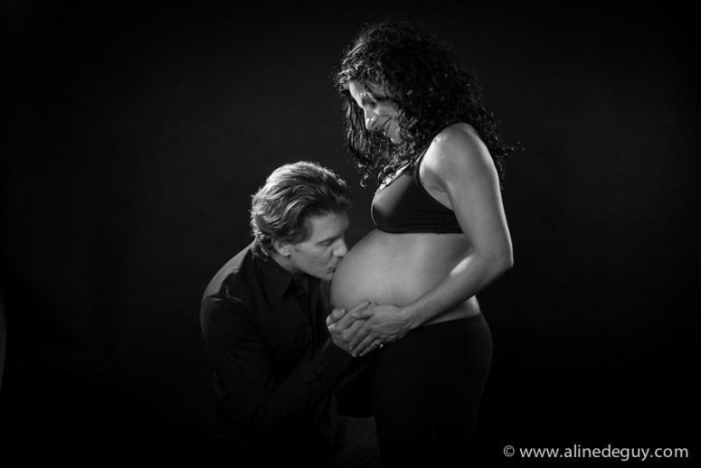 photo couple studio, photographe nanterre, femme enciente, maternité