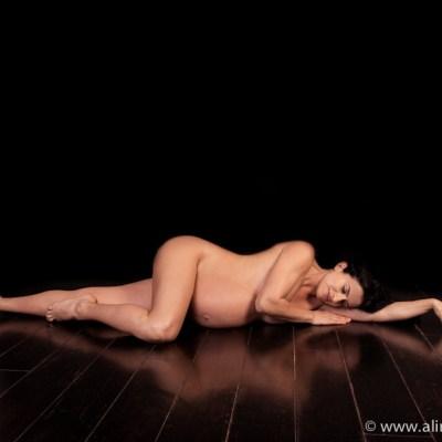 photographe professionnel grossesse, studio, future maman, paris, french photographer, pregnancy photographer, femme enceinte, photo nu artistique, aline deguy