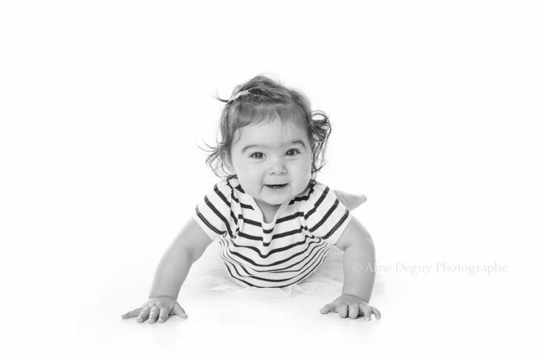 photographe bébé, studio, noir et blanc, 92
