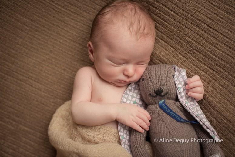 Photo bébé, doudou, endormi, naissance, maternité