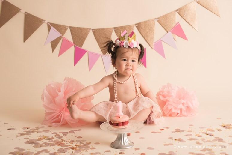 photographe bébé issy les moulineaux, studio photo bébé, smash the cake, anniversaire bébé, photos anniversaire bébé, sourire de bébé, bébé métissé