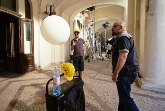 SFX German guys getting ready the floating balloon