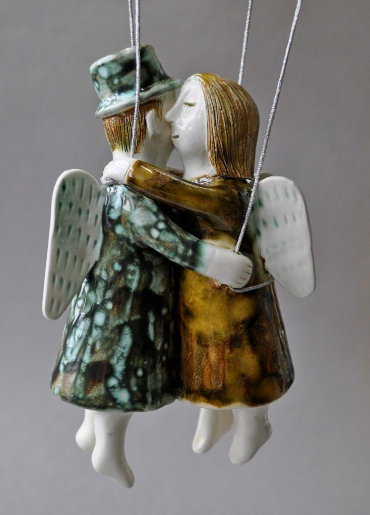 figurative-ceramics - 10.On-the-wings-of-love.-faience.-h15.