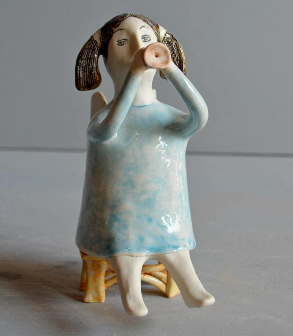 figurative-ceramics - angel-with-horn-blue-1
