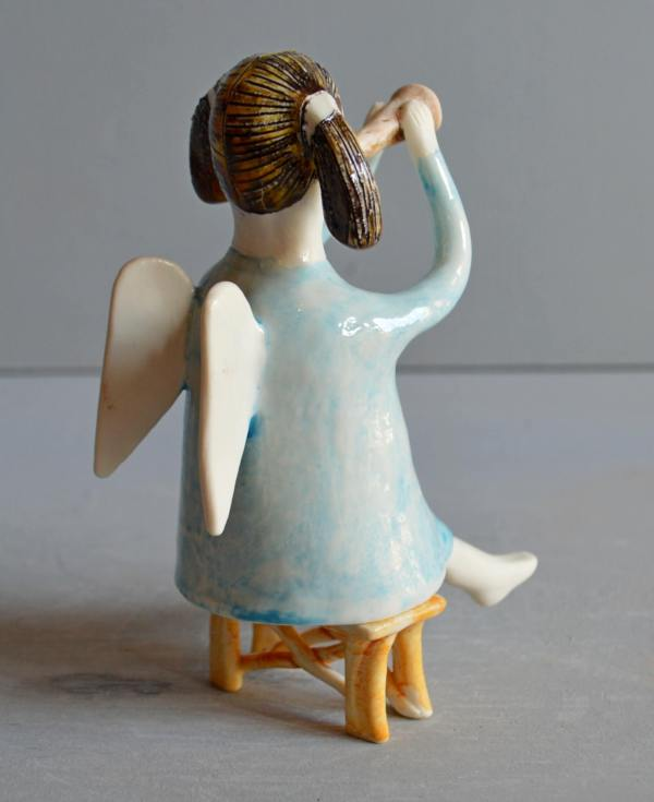 figurative-ceramics - angel-with-horn-blue-2