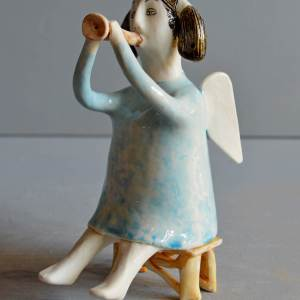 figurative-ceramics - angel-with-horn-blue-4