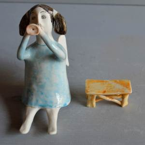 figurative-ceramics - angel-with-horn-blue