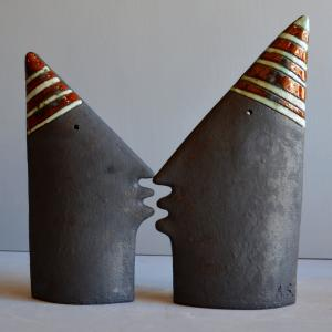 sculpture - Kiss