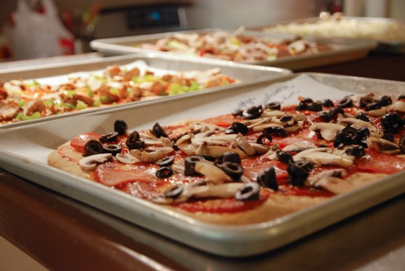 Pizza Night, Homemade Pizza, Homemade Pizza Dough, Easy Dinners, What's For Dinner, Cooking with Kids