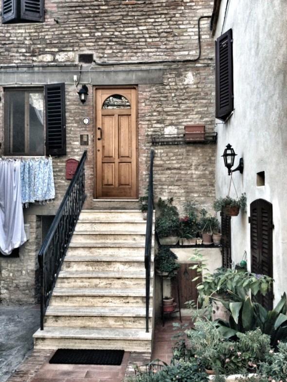 Tuscany, Cruise Port Livorno, San Gimingnano, Italy, Travel in Europe, Tuscan Doors and Windows