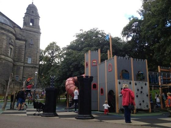 Edinburgh For Kids, Princes Street Gardens Park