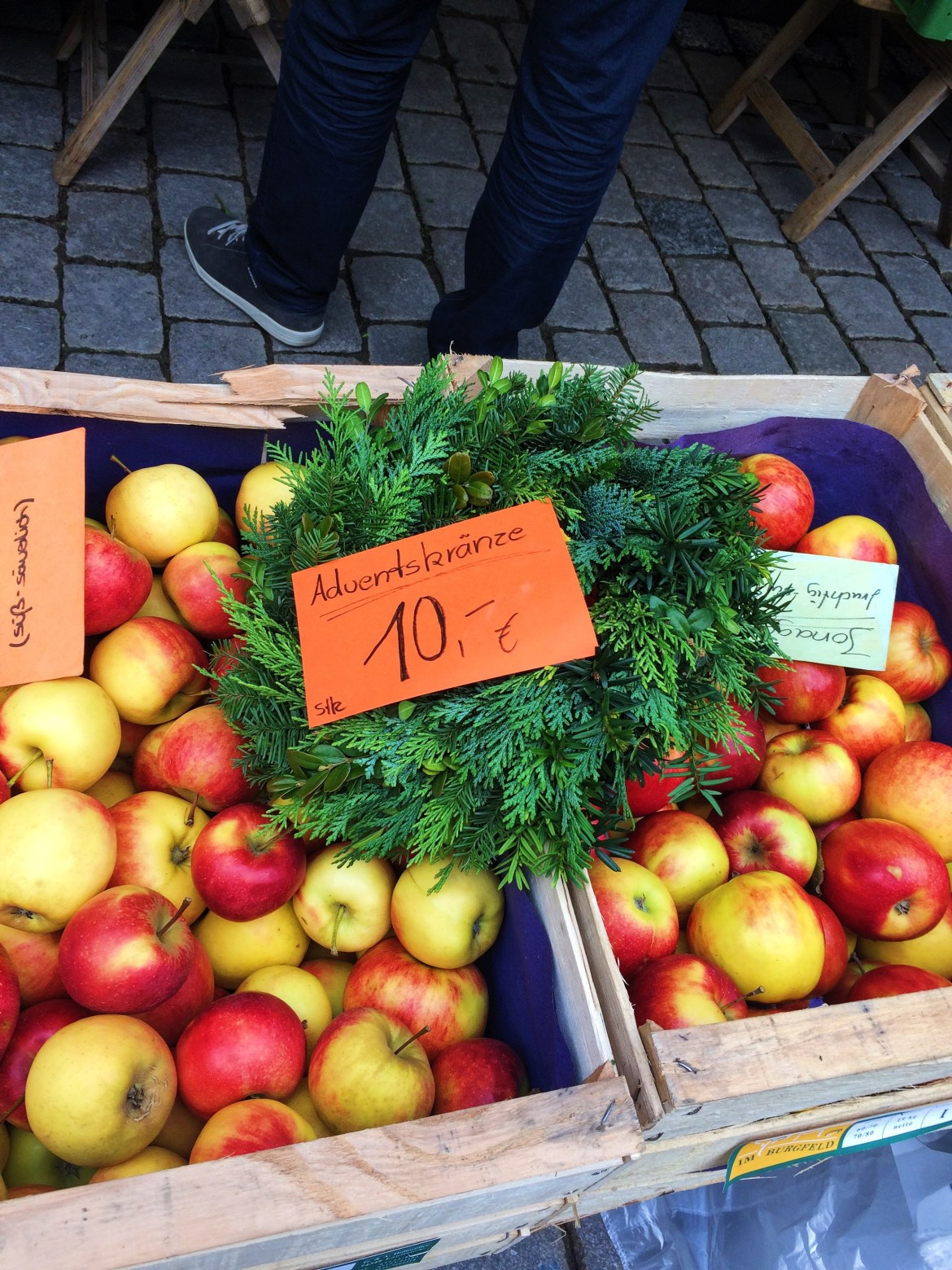 Tübingen Apples Marktplatz