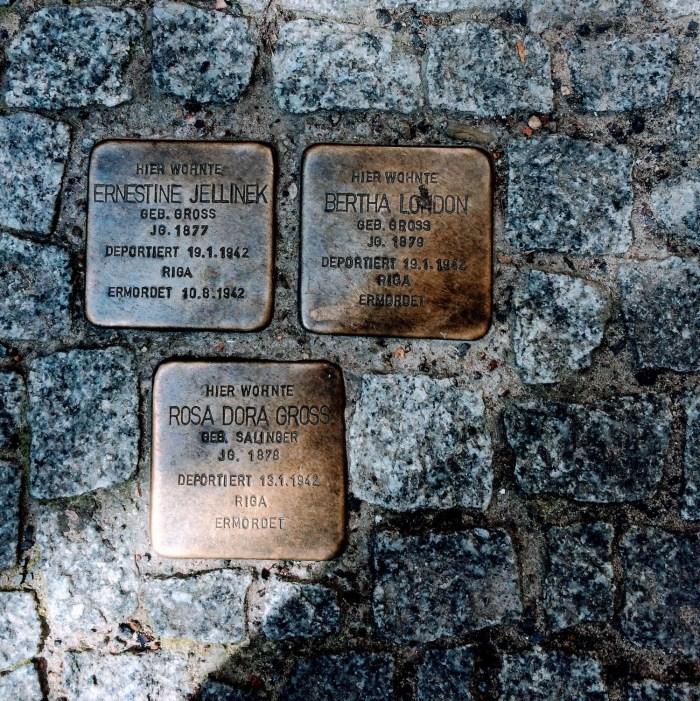 Snapshots of Berlin Solperstein, Memorials