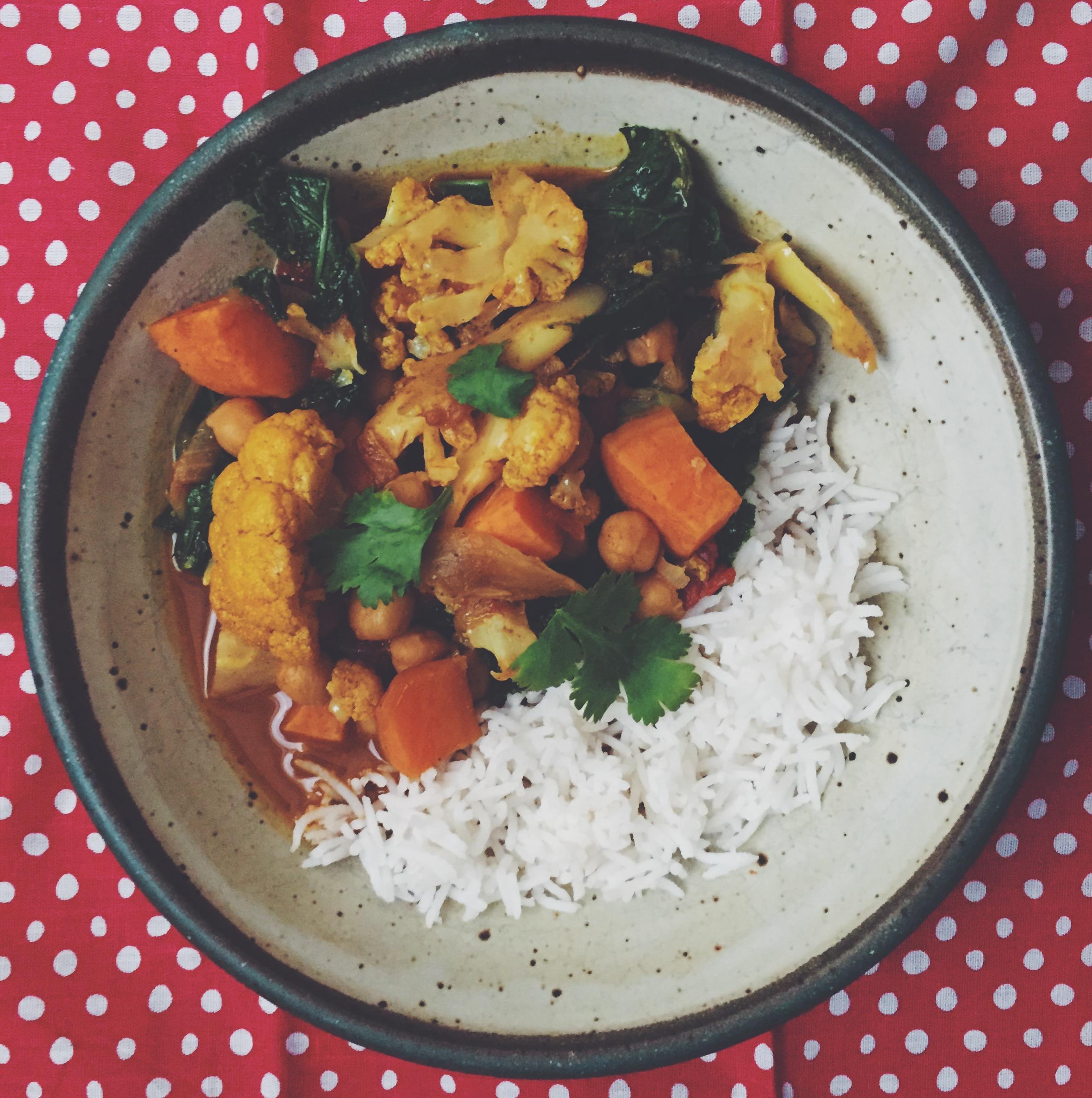 Kale Cauliflower Chickpea Curry