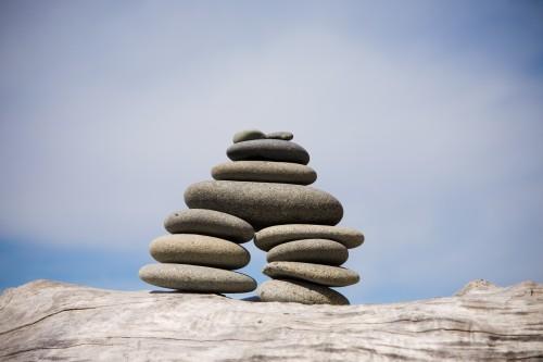 beach-zen-stone-pile
