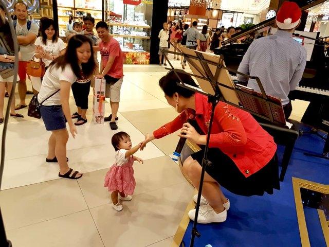 Singapore Xmas Carolling Christmas Carollers