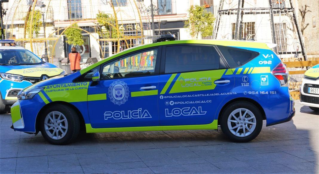 Imagen del nuevo vehículo de consumo híbrido para la Policía Local de Castilleja de la Cuesta.