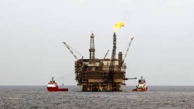 Photo of البنك العالمي يتوقع ارتفاع البترول الى 56 دولار في 2018