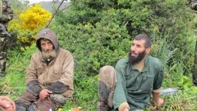 Photo of الجيش ينشر صور الإرهابيين اللذين تم القبض عليهما بجيجل
