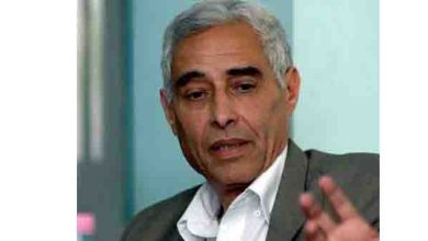 Photo of أستاذ الصحافة إبراهيم براهيمي يفارق الحياة بفرنسا