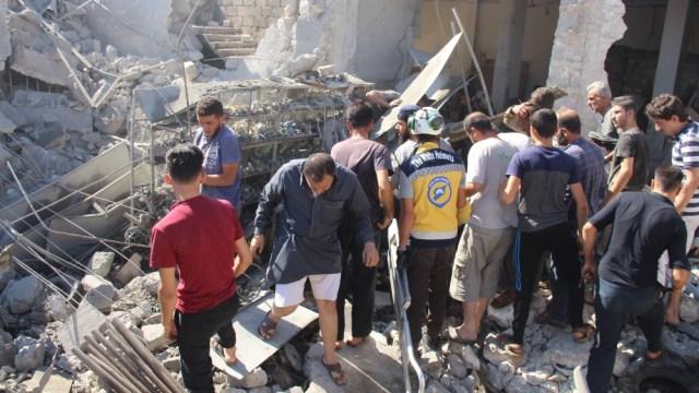 Russian airstrike on Idlib market kills dozens