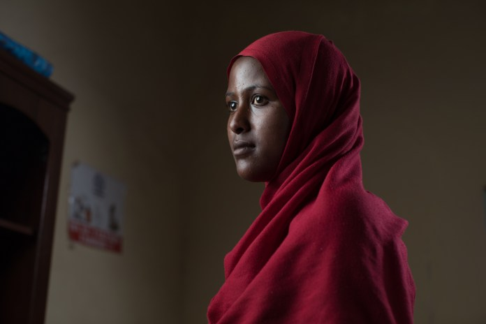 Daida, a 19-year-old Ethiopian, also came to Somalia intending to cross to Yemen and then to Saudi Arabia. She was stranded along the way and after reaching Bosaso, decided to seek the IOM's help to return home. [Muse Mohammed/IOM]