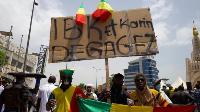 Thousands in Mali's capital demand President Keita step down ...