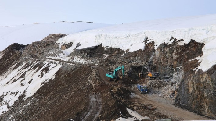 Access road construction for the Oyfjellet Wind Complex