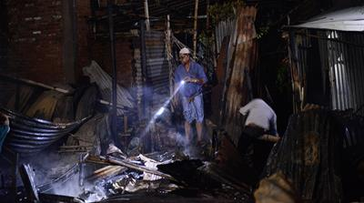 Bangladesh fire [Mahmud Hossain Opu/Al Jazeera]