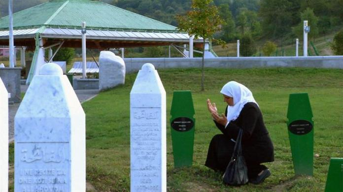 Srebrenica: Women Who Refuse to Die