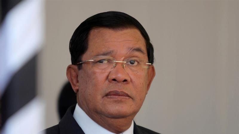 Cambodia's prime minister on Friday issued a six-day ultimatum to Laos to pull back troops [Reuters]