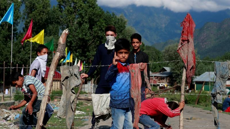 'Fighting back': Kashmir enclave blocks entry of Indian troops